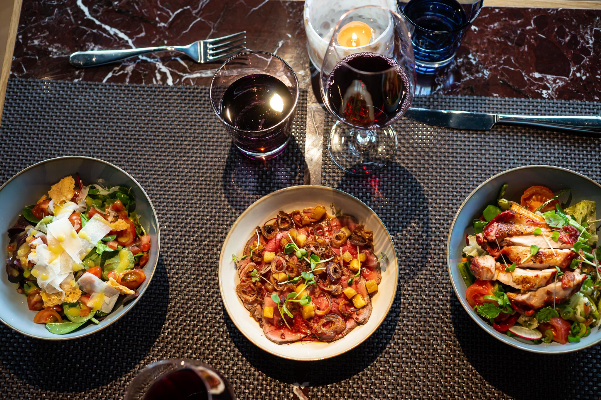Restaurant Noumi Grill & Bar