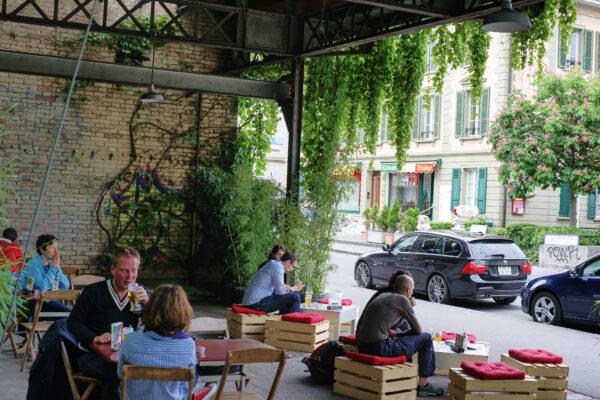 Wartsaal Kaffee Bar Bücher, Bern